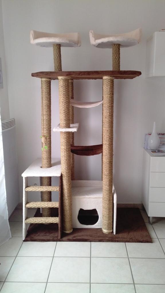 arbre a chat fait main. Black Bedroom Furniture Sets. Home Design Ideas